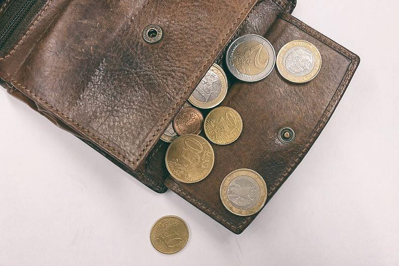 Půjčit si menší částku může být někdy hodně drahé, nechte si dobře poradit