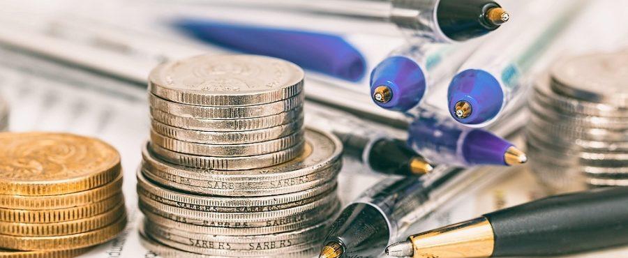 Porovnávejte půjčky po internetu, ušetříte tak totiž spoustu času i financí